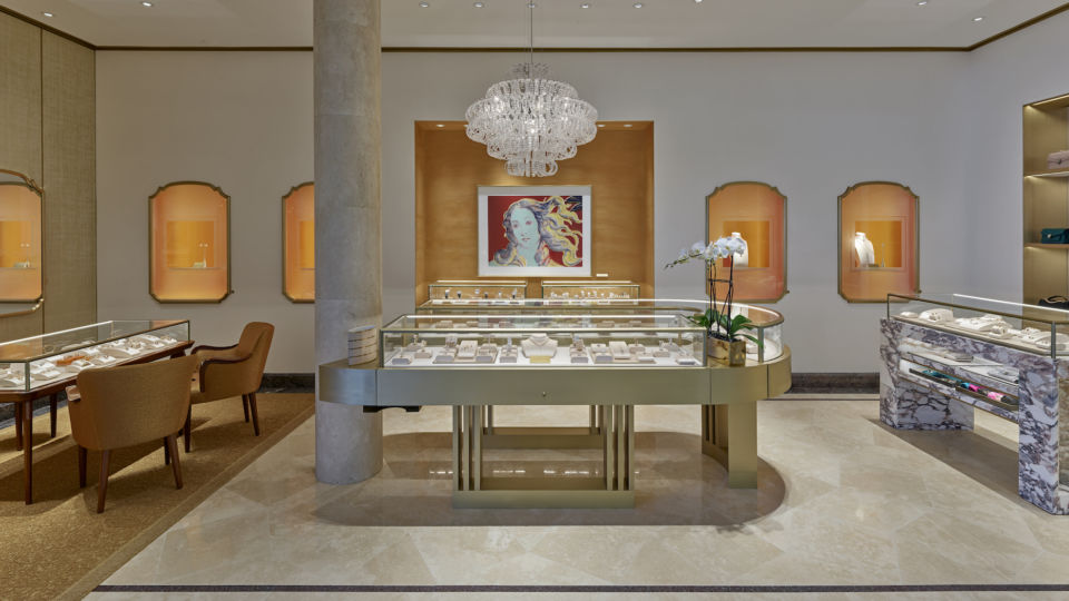 NELSON worked closely with Bvlgari to bring their in-store shop to life.