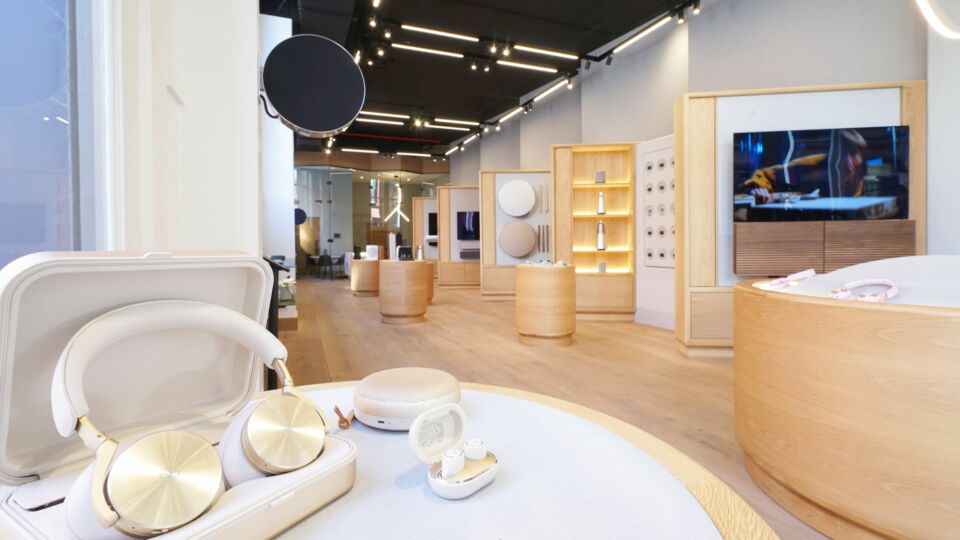 Bang & Olufsen recently opened a one-of-a-kind flagship store in the heart of New York City's SoHo neighborhood. The luxury audio brand was founded in 1925 in Struer, Denmark.