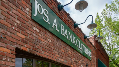 Tailored Brands Jos A Bank