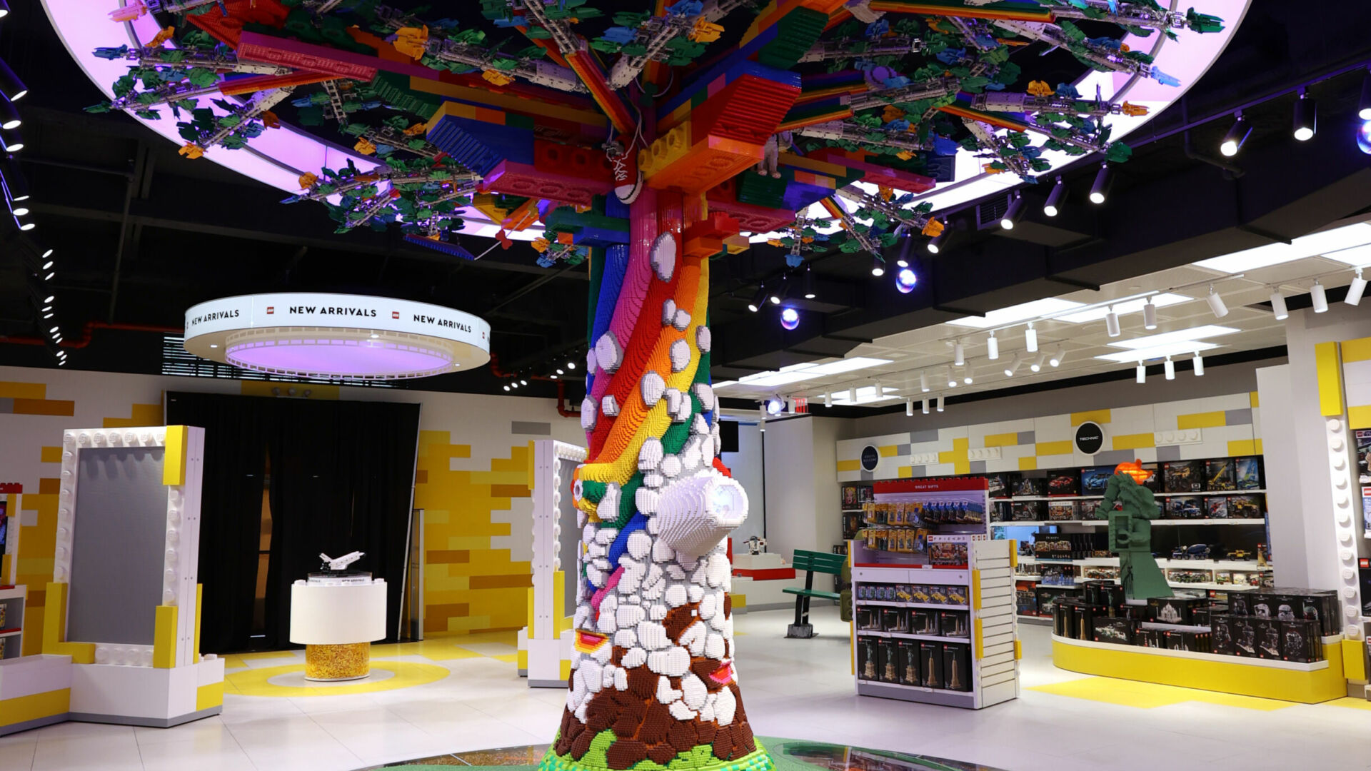 The Tree of Discovery, made of 880,000 bricks.(Photo by Cindy Ord/Getty Images)