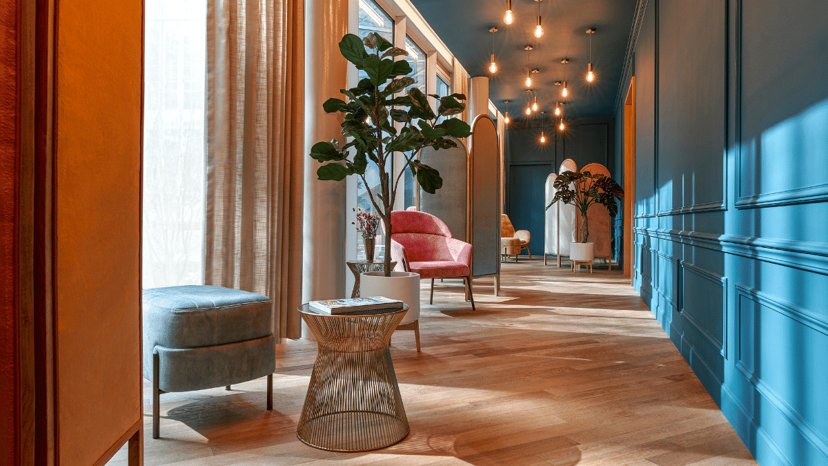 The Cinq Mondes spa on the Rivoli side features seven treatment rooms, a private hammam and a scrub room.