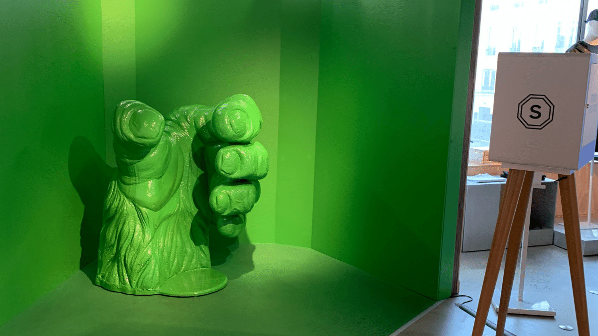 Visitors can relive the fun of the store's iconic King Kong commercial from the 1970's in this 3D studio, leaving with a photo and mini-video.