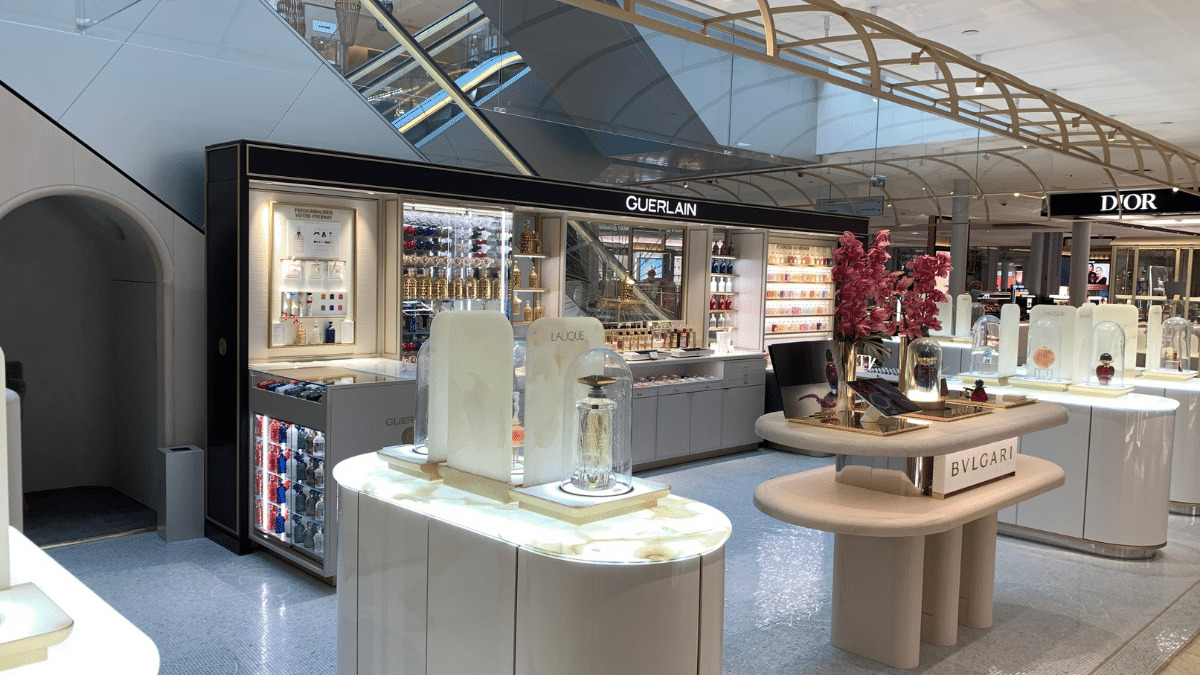 A deluxe fragrance installation featuring bottles ranging from €3,000 to €300,000.