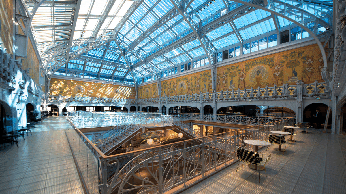The building's glass roof and Eiffel structure were fully restored and electrochromatic glass was added that tints depending on the amount of sunlight.