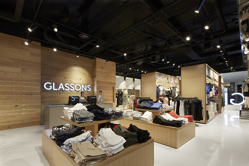 The bold design removes all products from the walls, a strategy so effective that Glassons rolled out this approach to its entire store network.